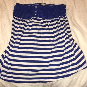 Blue and white No Boundariee sleeveless shirt